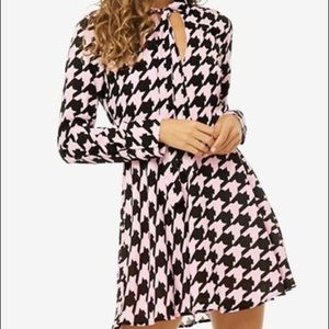 Forever 21 Pink Houndstooth Tie Neck Mini Dress